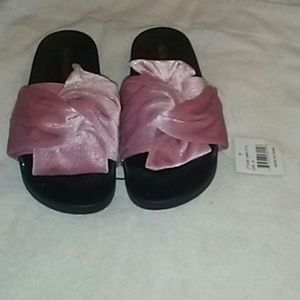 Olivia Miller flip flops